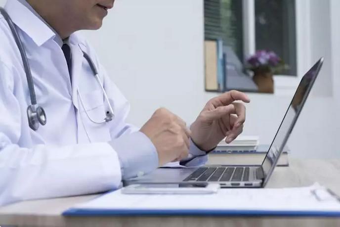 Projeto do deputado Iolando estabelece que a emissão da prescrição médica por meio eletrônico requer o uso de assinatura eletrônica