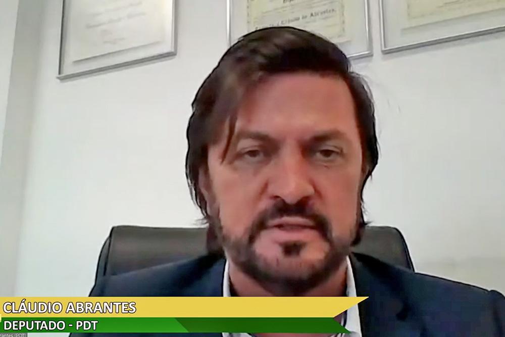 O autor da proposta, deputado Cláudio Abrantes, explicou que a ideia é atingir as pessoas com mais recursos e que o projeto delimita isso